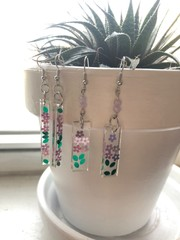 Image of Glitter Flower Resin Earrings 2