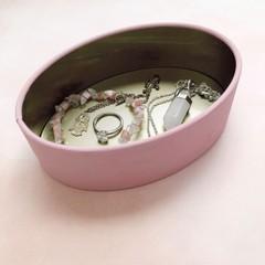 Image of pink jewelry bin