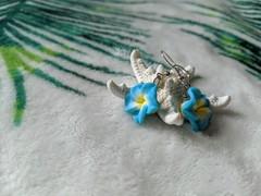 Image of Hawaiian Flower Earrings